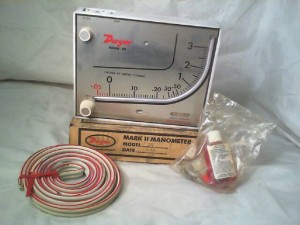 DWYER 25 Manometer