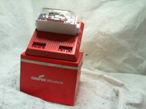 Cooper MT24MCWFR Red Wall Mount Fire Alarm  NEW IN BOX