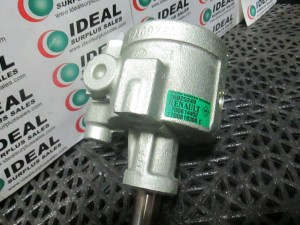 RENAULT 26025249 PUMP NEW IN BOX