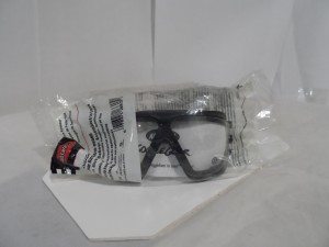 A0 SAFETY 1661500000 GOGGLES NEW IN BOX
