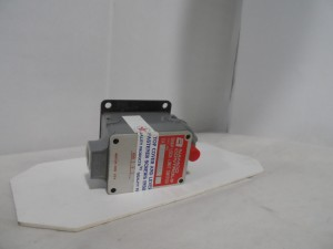 NAMCO CONTROLS EA0802110 LIMIT SWITCH NEW IN BOX