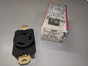 PASS & SEYMOUR L530-R TURNLOK RECEPTACLE NEW IN BOX