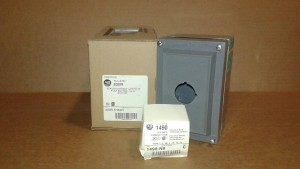 Allen Bradley 800R-1HX4R Sealed Contact Push Button Station - New in Box