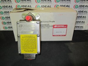 NAMCO EA18032302 LIMIT SWITCH NEW IN BOX