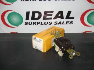 HUBBELL HBL5261 RECEPTACLE NEW IN BOX