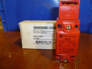 TELEMECANIQUE XCS A703 SAFETY INTERLOCK LIMIT SWITCH New in Box