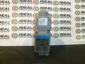CUTLER HAMMER E50AT1 LIMIT SWITCH NEW IN BOX