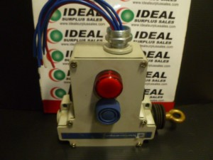 TELEMECANIQUE XY2CE2A296H7 LIMIT SWITCH USED