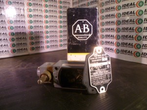 ALLEN BRADLEY 802RAL1FW5 LIMIT SWITCH NEW IN BOX