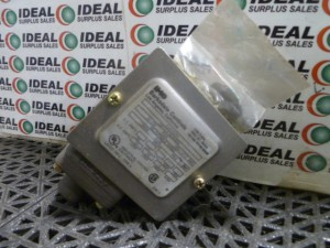 BARKSDALE E1HH250 SWITCH USED